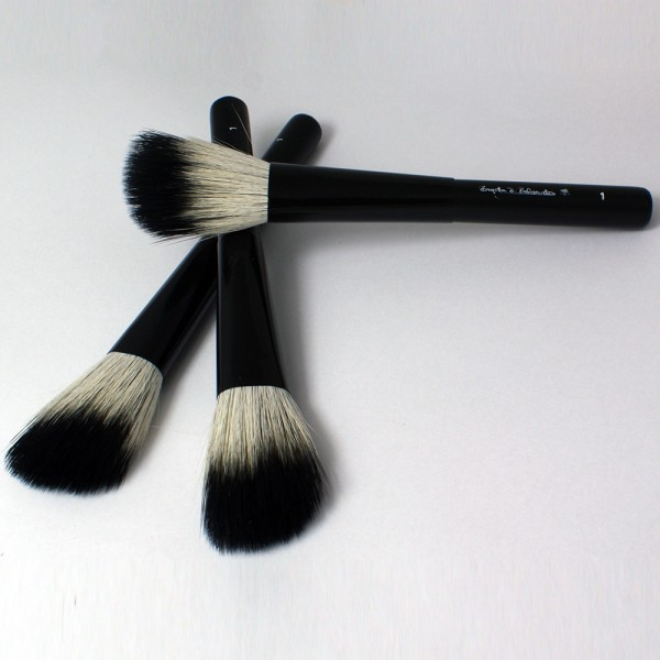 P1 Rouge Brush